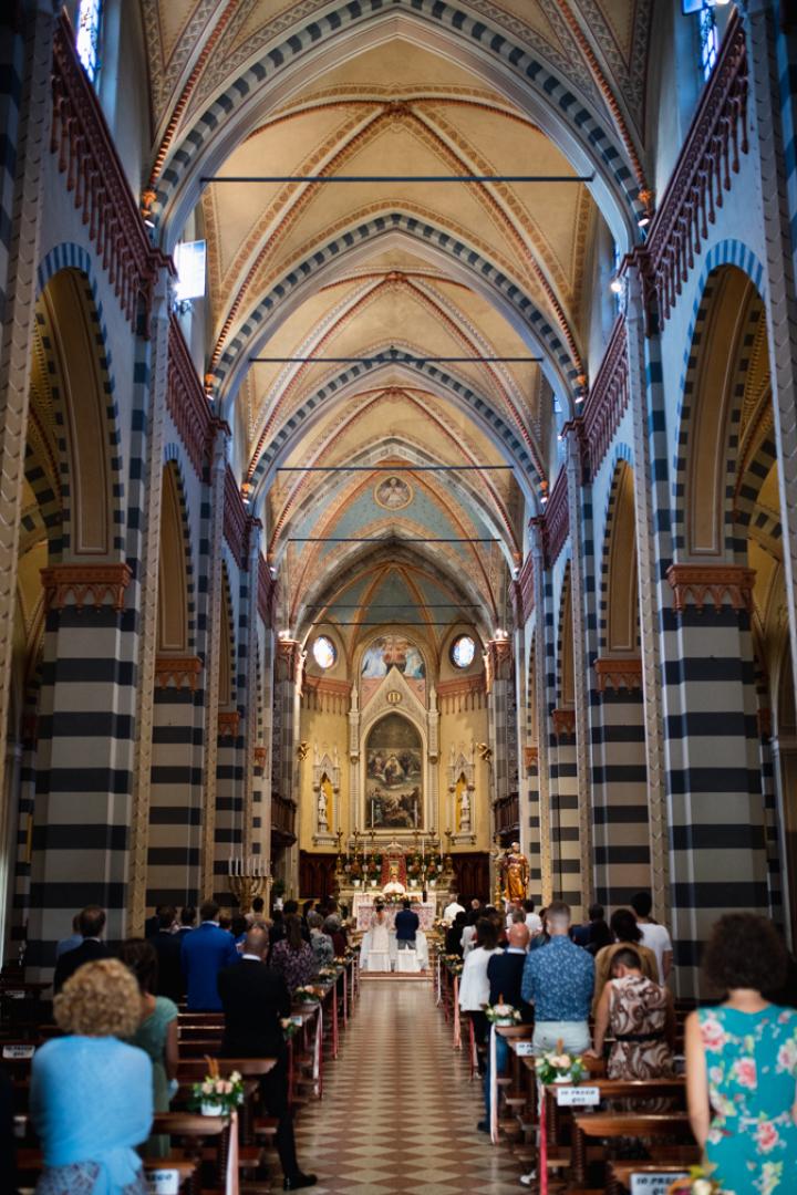 Fotografo matrimonio Brescia Federico Rongaroli wedding reportage Lucia e Roberto abito da sposa fiori matrimonio10