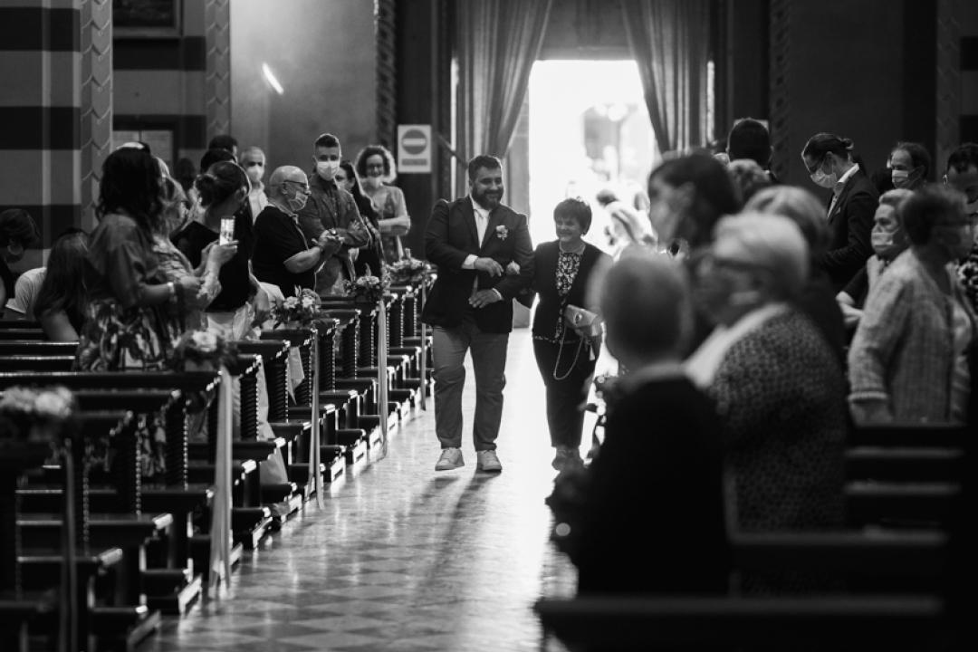 Fotografo matrimonio Brescia Federico Rongaroli wedding reportage Lucia e Roberto abito da sposa fiori matrimonio7